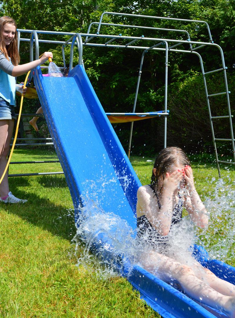 mollymoocrafts diy garden games - water slide
