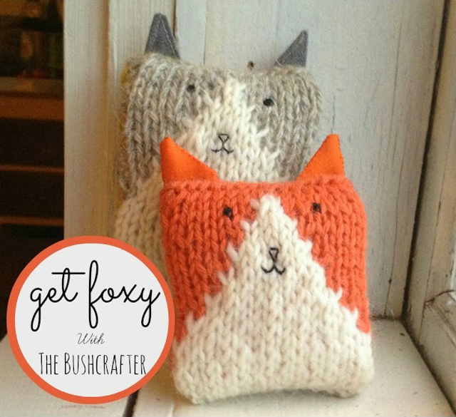 knitted foxes