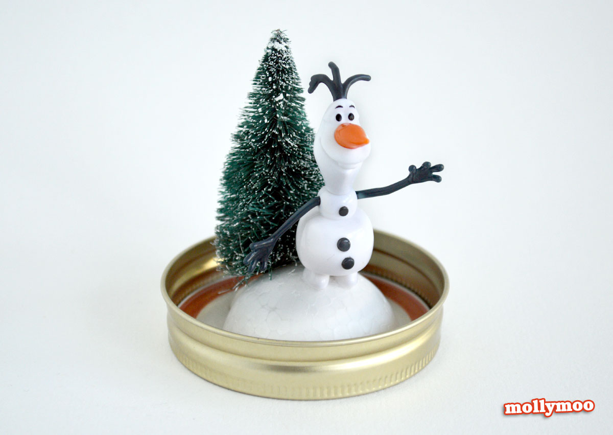 MollyMooCrafts Christmas Crafts - How To Make A Snow Globe