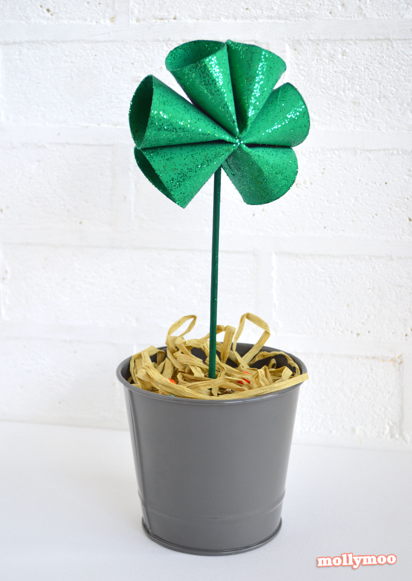 quick craft toilet roll shamrocks for St Patrick's Day