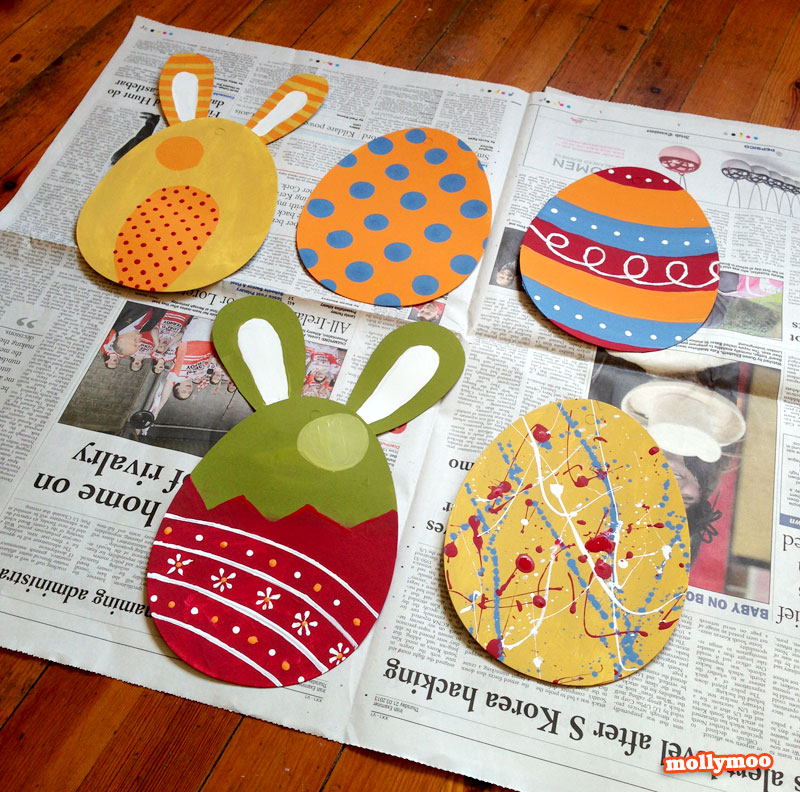 easter garland craft tutorial by Michelle McInerney, MollyMoo