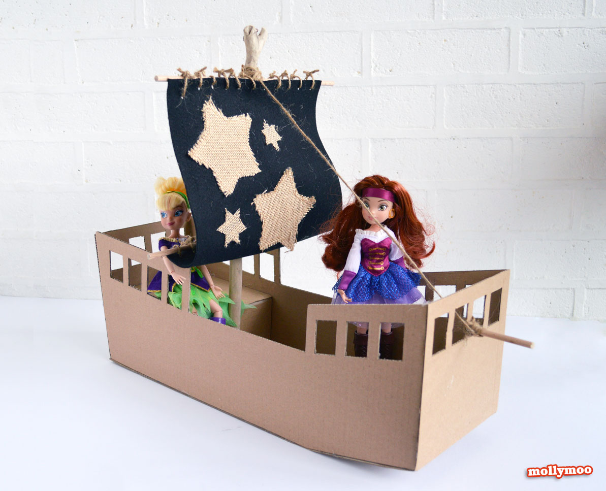 DIY PIrate Ship - cardboard craft by Michelle McInerney of MollyMoo