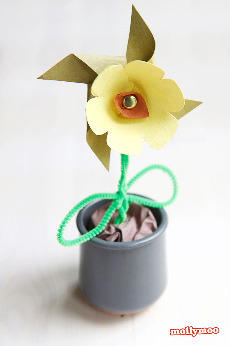 paper flower pinwheel craft by Stephanie Stanesby of MollymooCrafts.com