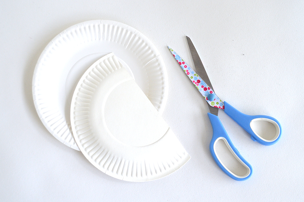 paper plate desk tidy