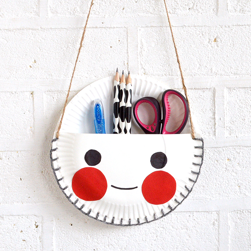 sc 1 st  MollyMoo & MollyMooCrafts Paper Plate Craft - The Cutest Desk Tidy