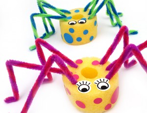 Pool noodle spider dudes - a bit of quick mid-term crafting fun. No gluing, no paint, no mess, made in less than 5 minutes type of quick craft for kids!! yeah that's quick :) This would make for a great summer craft for the backyard or at camp!